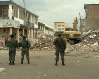 Séisme en Equateur : après les secousses, le chaos (BFMTV, 18 avril 2016)